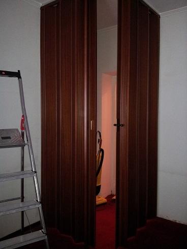Casa moderna roma italy porta a soffietto su misura for Porte a soffietto on line